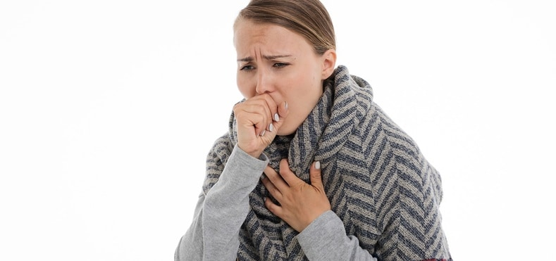 mulher tossindo | principais-disturbios-doencas