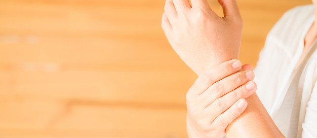 tendinite na mão | Mão foto criado por jcomp - br.freepik.com