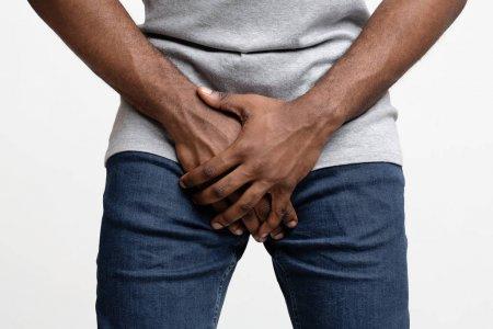 O que causa a incontinência urinária masculina?
