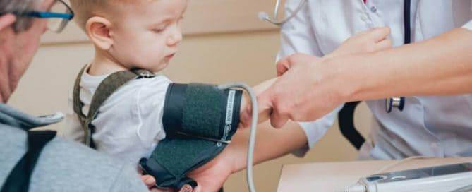 valores de referencia para pressão alta em crianças adultos e idosos